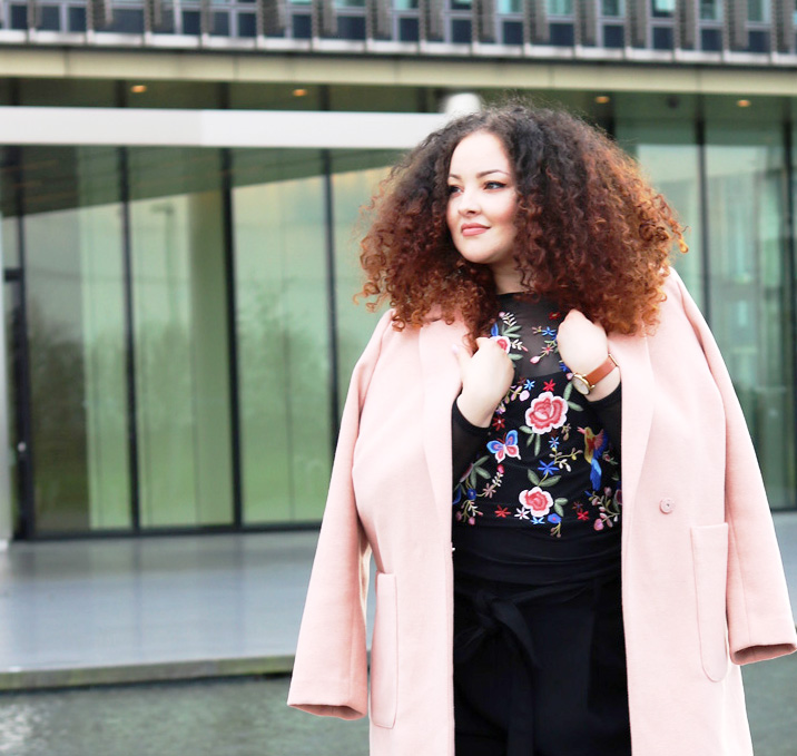 Blush Rosa Mantel Mode