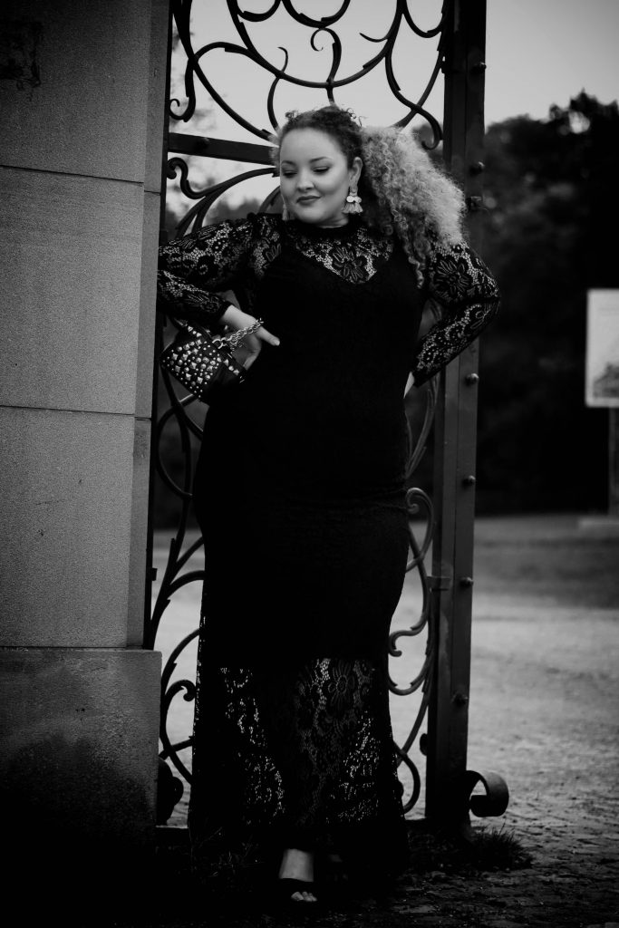 fashion_blog_blogger_dress_redcarpet_evening_lace_plussize