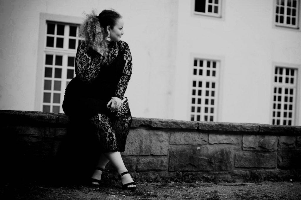 curvy_curves_model_dress_germany_infatstyle.de