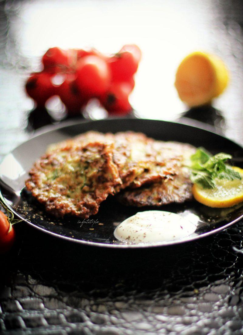 Was koche ich heute?#1 – Zucchinipuffer mit Joghurt