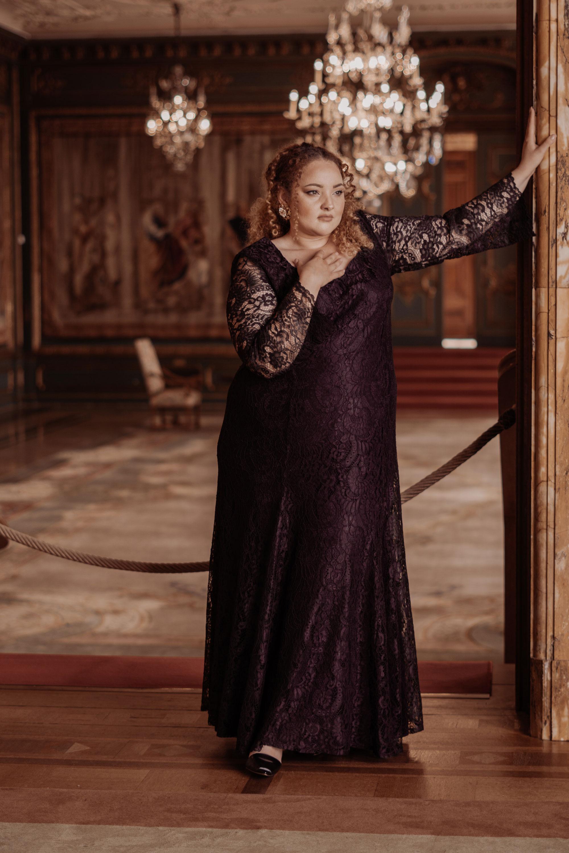 ANNA SCHOLZ by Ulla Popken - In Fat Style