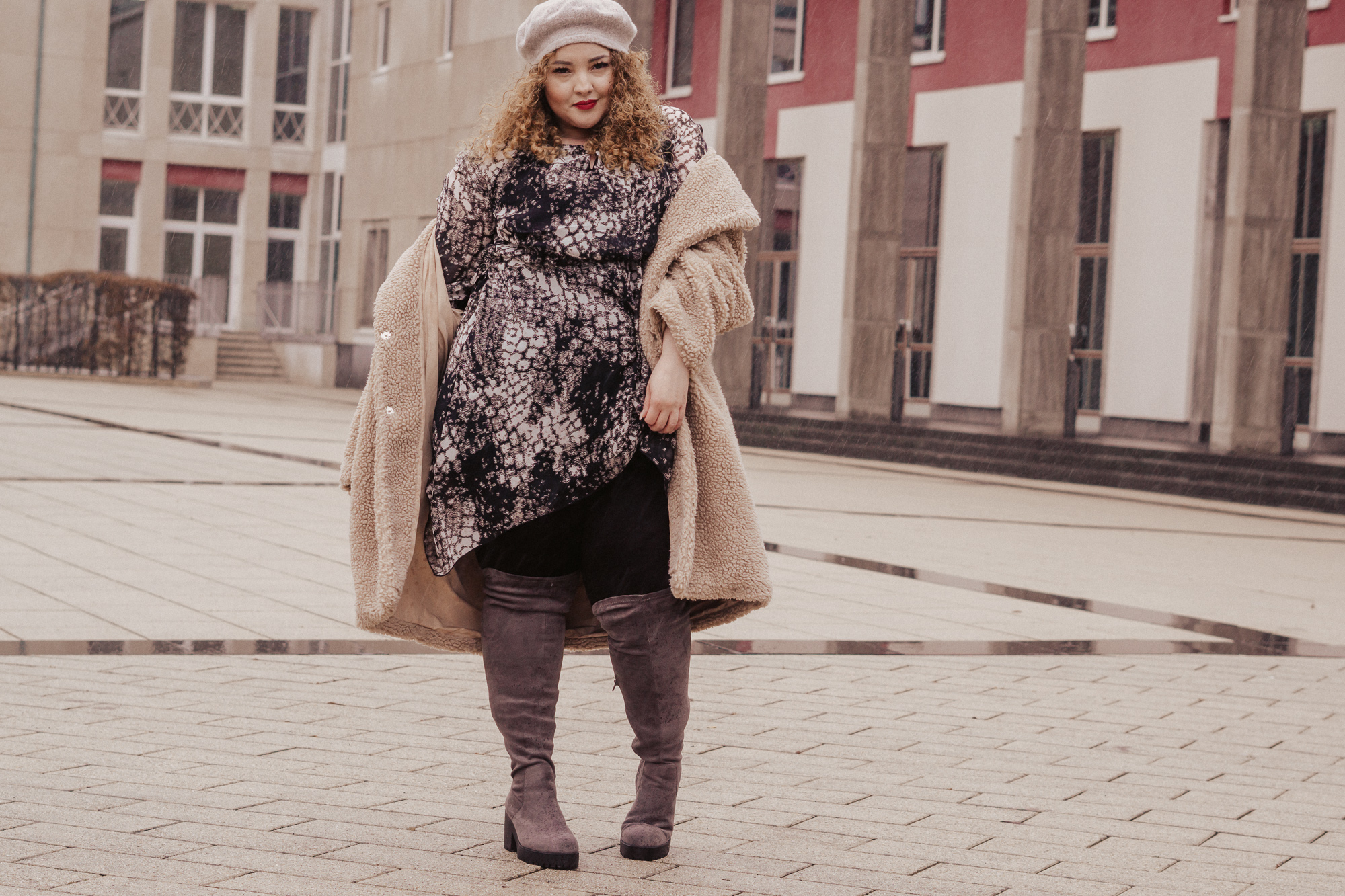 abendlook_ausgeh_outfit_kurvige_frauen_fashion_plussize_infatstyle_blogger_mia